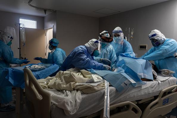 ベストオブ「COVID-19 Intensive Care Unit Within A Houston Hospital Cares For Patients As Cases Continue To Rise」:写真・画像(19)[壁紙.com]
