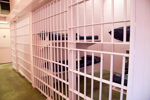 ピンク「ピンクの刑務所セル」:スマホ壁紙(18)