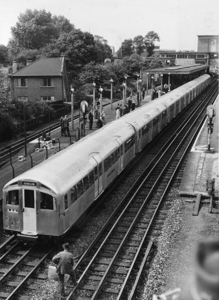 Subway Train「New Tube Train」:写真・画像(4)[壁紙.com]