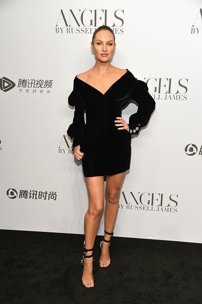 """キャンディス・スワンポール「Cindy Crawford And Candice Swanepoel Host """"ANGELS"""" By Russell James Book Launch And Exhibit - Arrivals」:写真・画像(18)[壁紙.com]"""