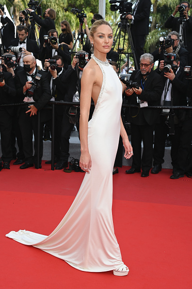 """Candice Swanepoel「""""Tout S'est Bien Passe (Everything Went Fine)"""" Red Carpet - The 74th Annual Cannes Film Festival」:写真・画像(5)[壁紙.com]"""