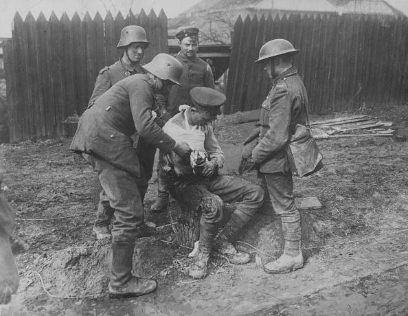 Army Soldier「Wound Dressing」:写真・画像(7)[壁紙.com]