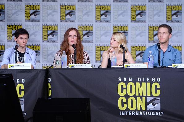 "Emilie De Ravin「Comic-Con International 2016 - ""Once Upon A Time"" Panel」:写真・画像(17)[壁紙.com]"