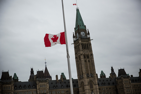 Nathan Cirillo「Ottawa On Alert After Shootings At Nation's Capitol」:写真・画像(13)[壁紙.com]