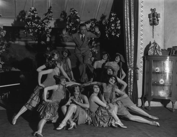 1920-1929「Dance With Chorus」:写真・画像(1)[壁紙.com]