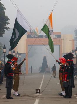 Lahore - Pakistan「Pakistan/India Border Tensions」:写真・画像(17)[壁紙.com]