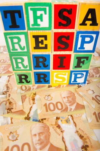 University Student「Canadian Registered Savings Plans」:スマホ壁紙(13)