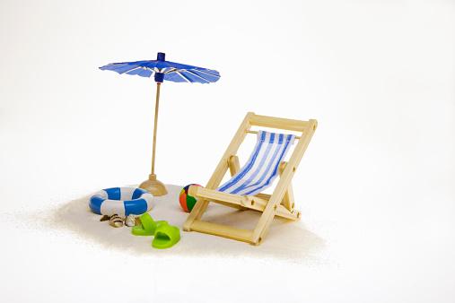 Deck Chair「Toy beach equipment」:スマホ壁紙(0)