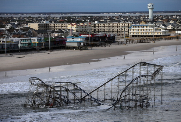 Rollercoaster「East Coast Begins To Clean Up And Assess Damage From Hurricane Sandy」:写真・画像(7)[壁紙.com]