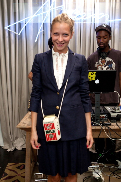 Annabelle Dexter Jones「ADAM New Store Opening And Fashion's Night Out Party」:写真・画像(8)[壁紙.com]