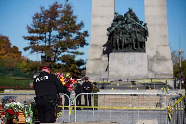 Nathan Cirillo「Ottawa On Alert After Shootings At Nation's Capitol」:写真・画像(11)[壁紙.com]