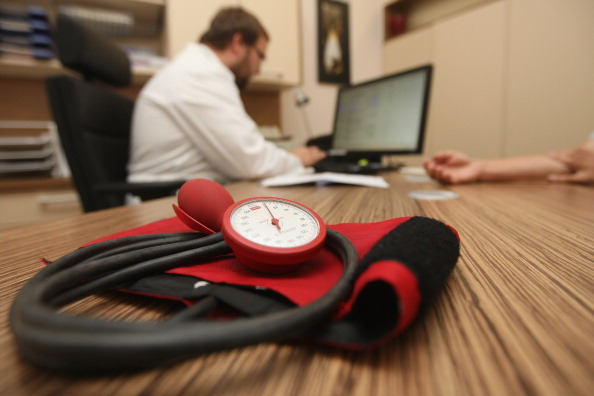 Medicine「Doctors Seek Higher Fees From Health Insurers」:写真・画像(15)[壁紙.com]