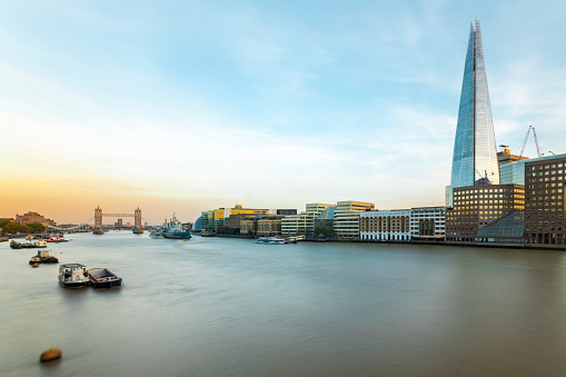 London Bridge - England「UK, London, Long exposure of the Thames with the Tower Bridge, HMS Belfast and the Shard」:スマホ壁紙(4)