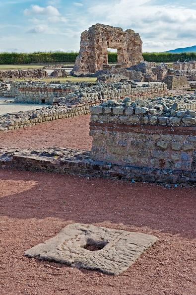 Roman Bath「Ruins Of The Baths」:写真・画像(8)[壁紙.com]