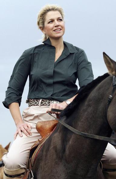 Horse「Crown Prince Willem And Princess Maxima Visit Mongolia」:写真・画像(14)[壁紙.com]