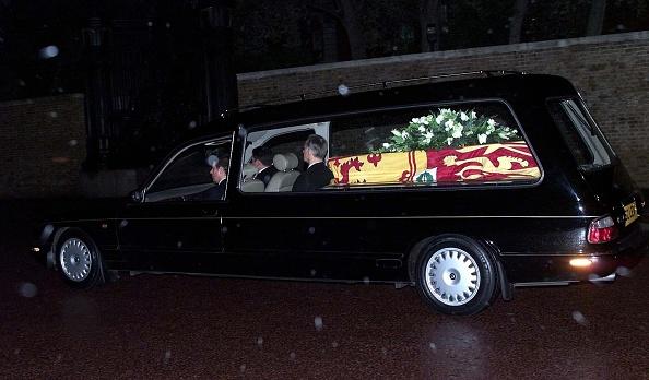2002「Princess Margaret's Coffin」:写真・画像(18)[壁紙.com]