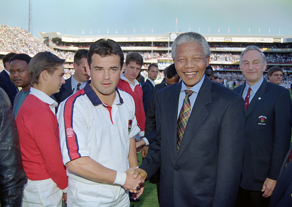 England「Will Carling meets Nelson Mandela England Rugby Tour to South Africa 1994」:写真・画像(6)[壁紙.com]