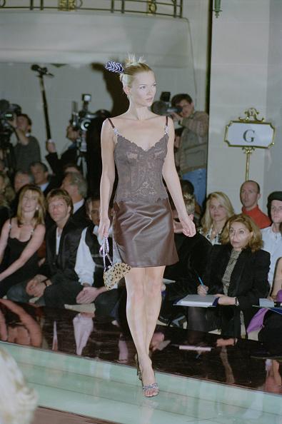 Purse「Versace Haute Couture Spring/Summer 1996」:写真・画像(9)[壁紙.com]