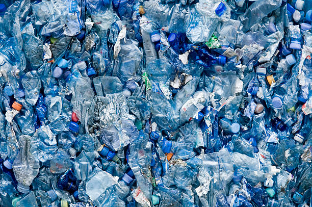 blue plastic garbage:スマホ壁紙(壁紙.com)