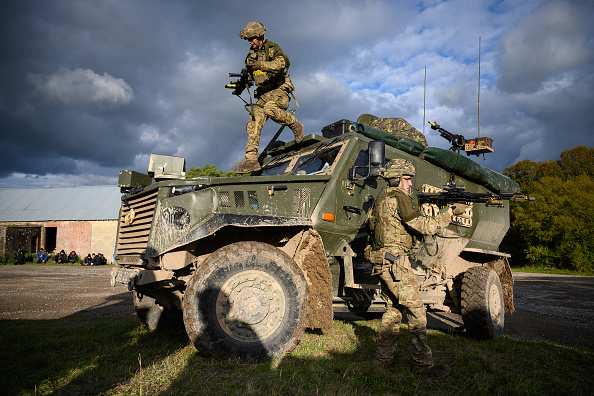 Army Soldier「British Army Exercises Ahead Of UN Peacekeeping Operation」:写真・画像(10)[壁紙.com]