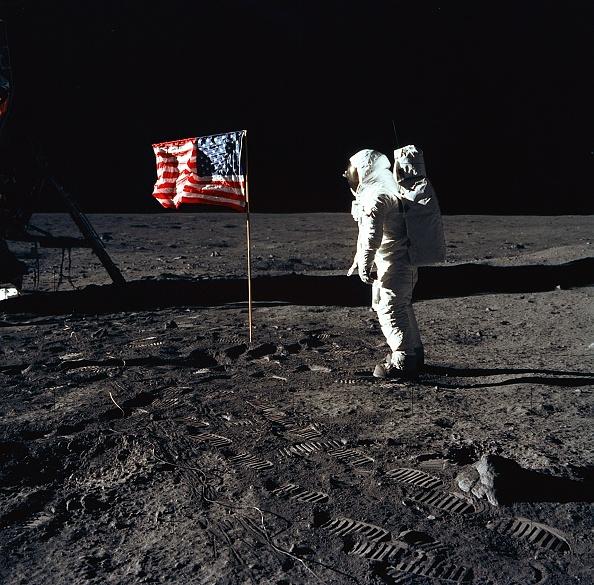 Moon「30th Anniversary of Apollo 11 Moon Mission」:写真・画像(0)[壁紙.com]