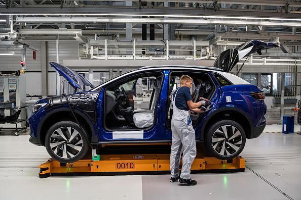 Industry「Volkswagen Revs Up ID.4 Electric Car Production」:写真・画像(10)[壁紙.com]