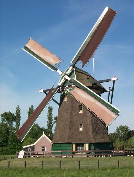 Vitality「Fully Restored Wind Mill In The Dutch Village Of Voorburg Built In 1621 And Still In Act...」:写真・画像(15)[壁紙.com]