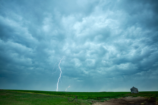 Mammatus Cloud「Prairie Storm Saskatchewan Canada」:スマホ壁紙(12)