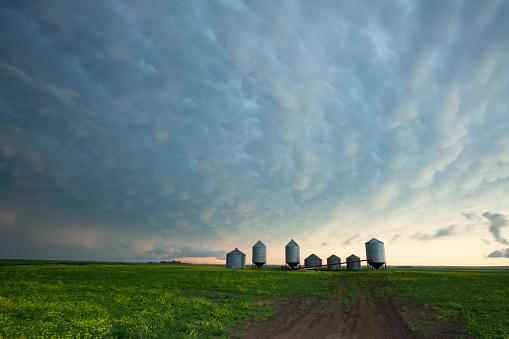 Mammatus Cloud「Prairie Storm Saskatchewan Canada」:スマホ壁紙(7)