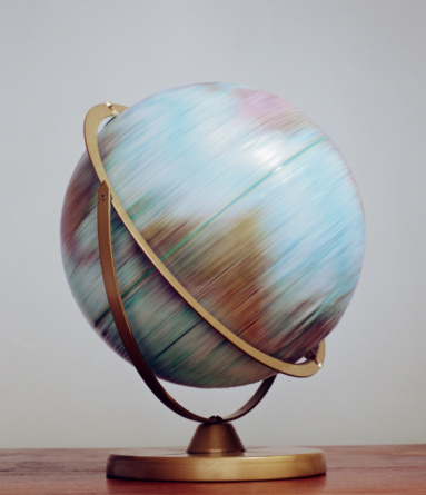 Spinning「World globe spinning, close-up (blurred motion)」:スマホ壁紙(8)