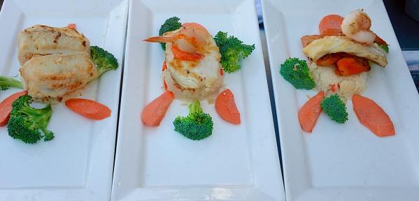 City of Monterey - California「Monterey, restaurant crab specialties, fish ...」:スマホ壁紙(14)