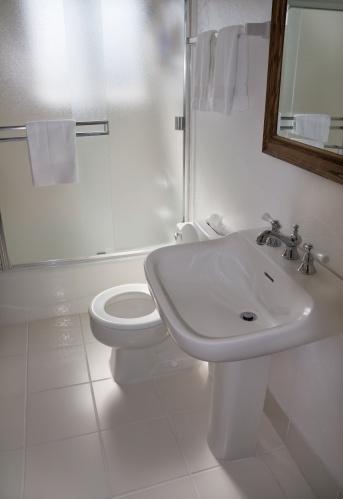 Motel「Small Bathroom」:スマホ壁紙(4)