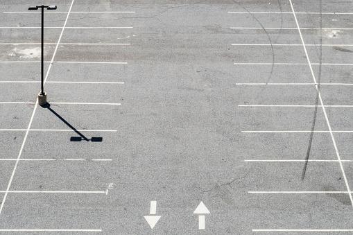 Parking Lot「USA, Philadelphia, Empty parking lot, seen from above」:スマホ壁紙(13)