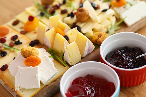 Edam Cheese「Cheese board with various types cheese and jam」:スマホ壁紙(12)
