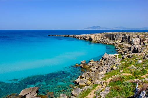 Shallow「Cala Rossa, one of the best beaches in Favignana, the main island of the Egadi archipelago (Sicily, Italy)」:スマホ壁紙(10)