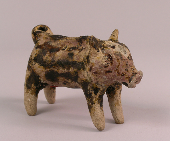 Glazed Food「Boar standing four square with a well delineated snout, short curly tail and perked ears」:写真・画像(6)[壁紙.com]