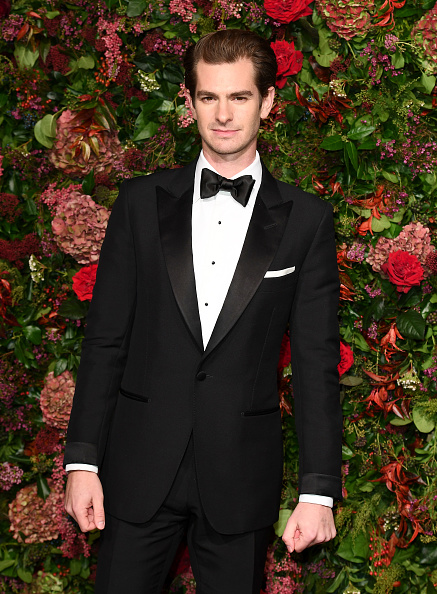 Andrew Garfield「Evening Standard Theatre Awards - Red Carpet Arrivals」:写真・画像(4)[壁紙.com]