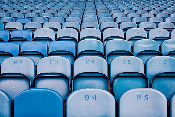 Empty seats in football stadium:スマホ壁紙(壁紙.com)