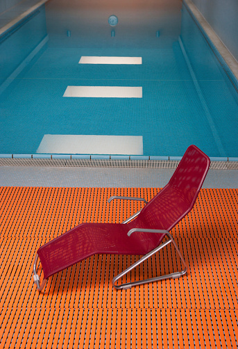Deck Chair「Deckchair at indoor swimming pool」:スマホ壁紙(7)