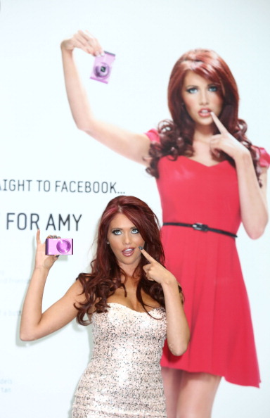 Photography Themes「Samsung SMART Cameras Launch - Amy Childs Photocall」:写真・画像(17)[壁紙.com]