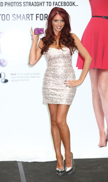 Photography Themes「Samsung SMART Cameras Launch - Amy Childs Photocall」:写真・画像(13)[壁紙.com]
