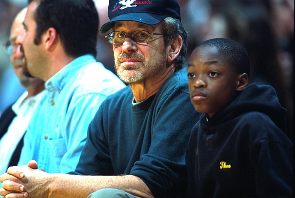 Donald Miralle「Celebrities At Lakers Versus the Bulls Basketball Game」:写真・画像(14)[壁紙.com]