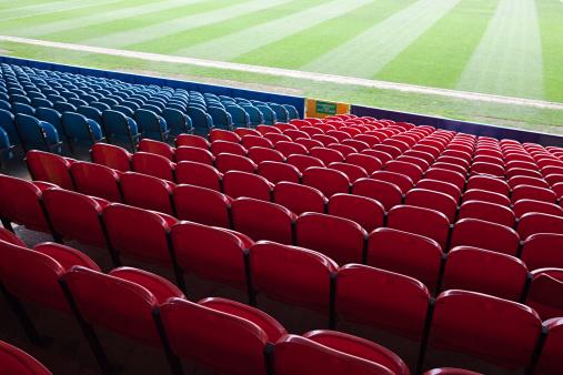 Conformity「Empty football stadium」:スマホ壁紙(9)