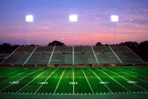 Floodlight「Empty football stadium.」:スマホ壁紙(4)