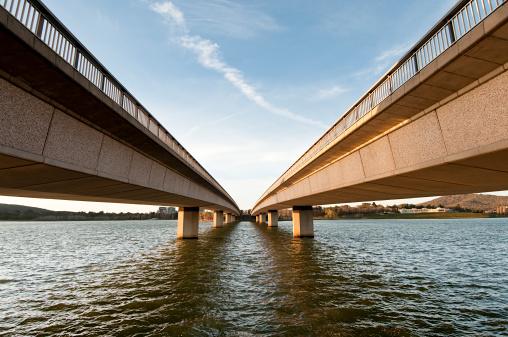 Two Objects「Bridge Perspective」:スマホ壁紙(19)