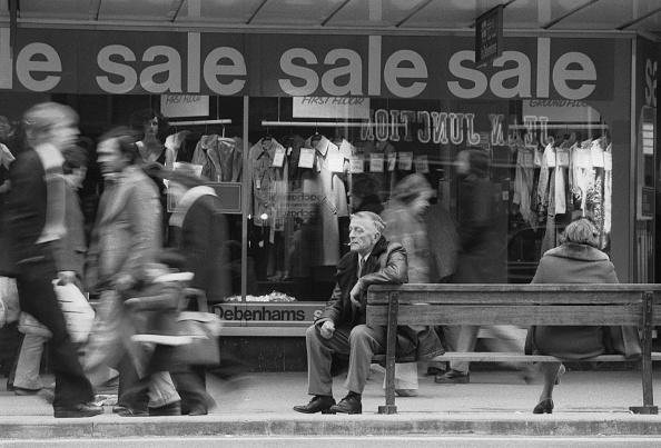 Blurred Motion「Oxford Street Sales」:写真・画像(6)[壁紙.com]