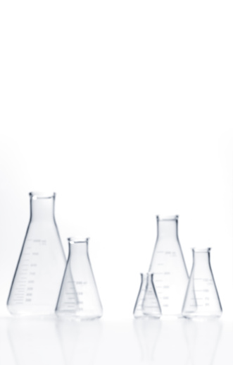 Chemical「Upright out of focus flasks with copy space」:スマホ壁紙(0)