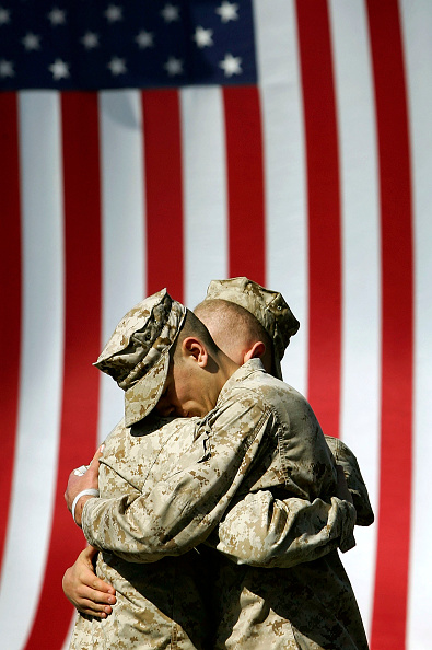 Males「Marines Memorialize Comrades Killed In Iraq」:写真・画像(10)[壁紙.com]