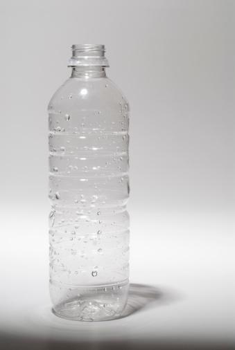 Plastic「Empty plastic water bottle」:スマホ壁紙(17)