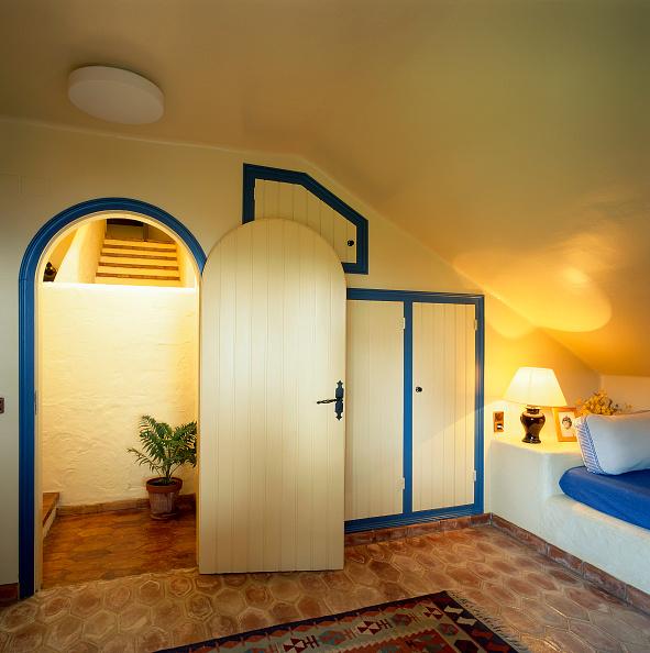 Rug「View of an elegant bedroom」:写真・画像(7)[壁紙.com]